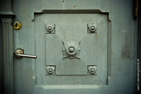 PH Green Door